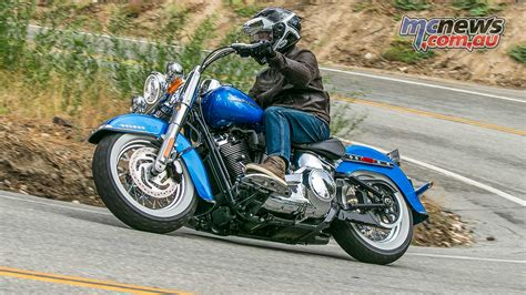 2018 softail deluxe harley davidson 2018 softails motorcycle tests mcnews