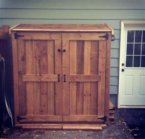 ana white small cedar fence picket storage shed diy my version of the small cedar fence picket storage shed