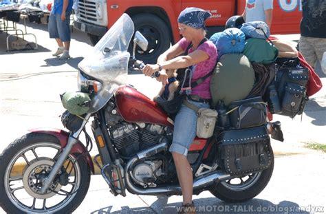 Motorrad Fahren Ohne Hose by Welche Klamotten Beim Motorradfahren Andyrx