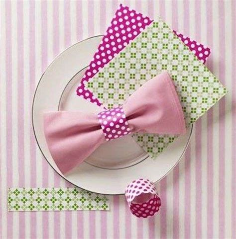 decorare tavola con tovaglioli di carta decorare la tavola con i tovaglioli di carta foto