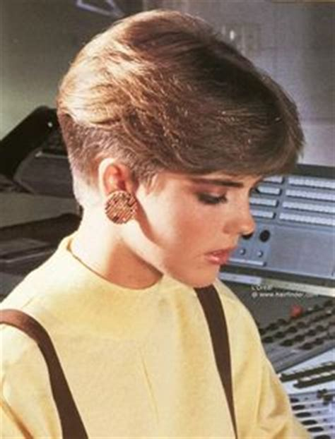 stacked hairstyles of the 80s and 90s dorothy hamill wedge haircut instructions short