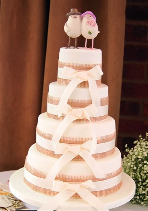 simple  sweet ideas  decorate  wedding cake