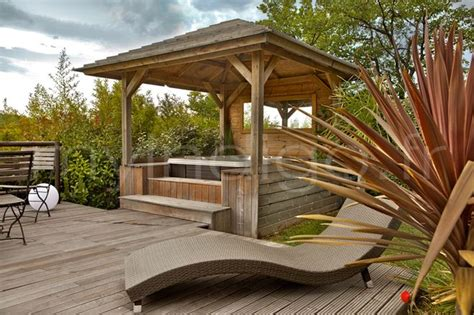 Whirlpool Discount 2217 by Deco Exterieur Maison Design Wiblia