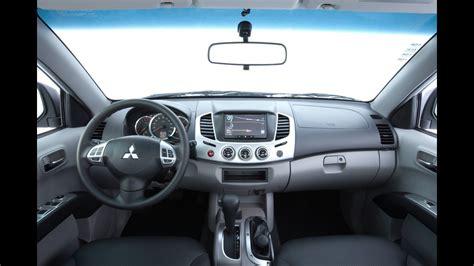 mitsubishi triton 2012 interior mitsubishi lan 231 a linha 2012 com nova vers 227 o l200 triton xb