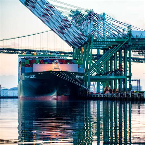 ships supply chain port of los angeles