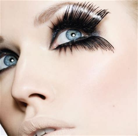 How To Apply Eye Lash Extensions by Image Gallery Eyelash Installation