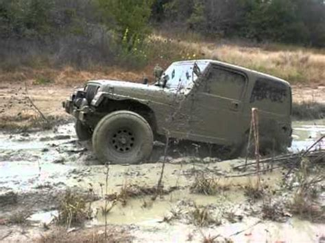 Jeep Stuck In Mud Jeep Wrangler Stuck In A 33 Quot Mud
