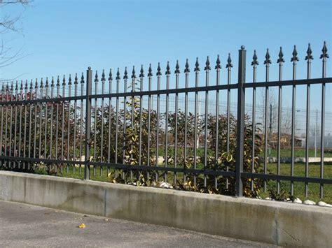 ringhiera in legno per giardino ringhiere recinzione