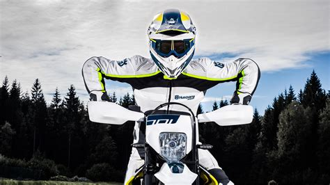 husqvarna  supermoto wallpapers hd wallpapers
