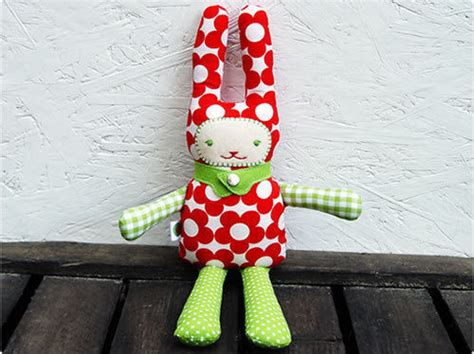 easter bunny toy    rabbit plushie sewing