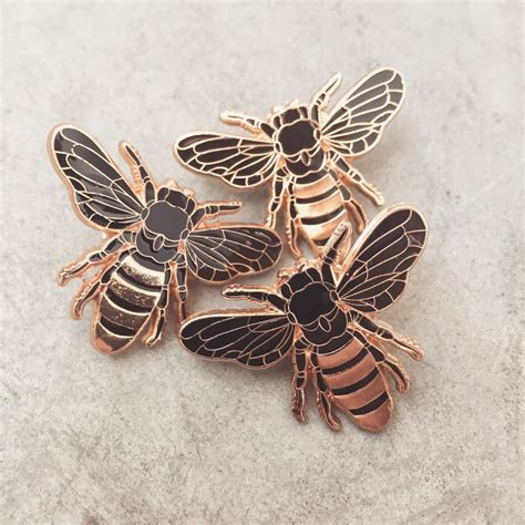 Pin Scrub Bumble Bee image of gold honey bee lapel pin patches pins