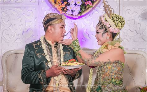 Foto Wedding Adat Jawa by Foto Wedding Adat Jawa