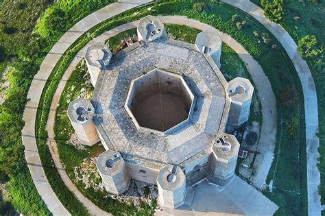 castel monte interno la struttura di castel monte