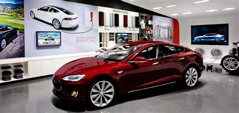 tesla opens canadian dealership at yorkdale mall