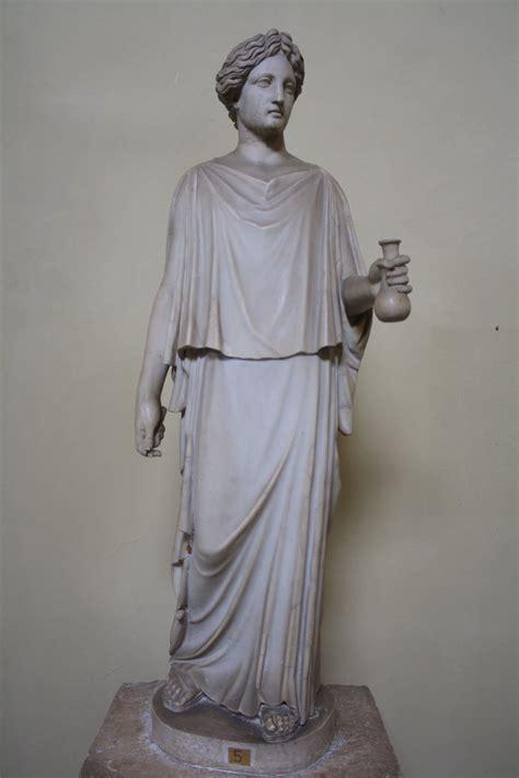 peplos dress illustration ancient history
