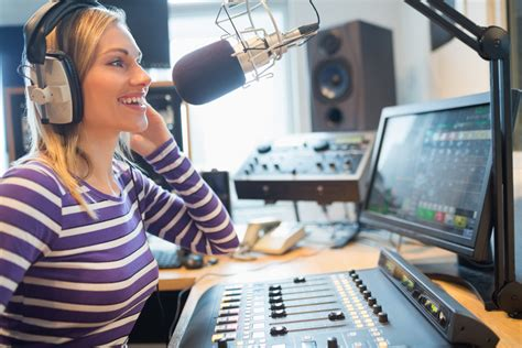 best radio station the 51 best college radio stations bestcolleges