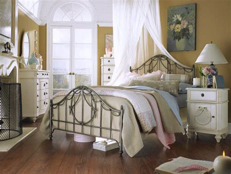 French Country Roman Shades - shabby chic bedroom ideas for a vintage romantic bedroom look