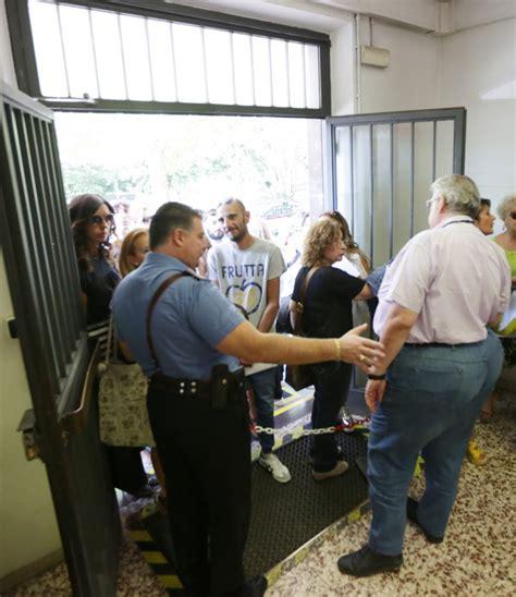 ufficio scolastico di brescia caos all ufficio scolastico di brescia arrivano i