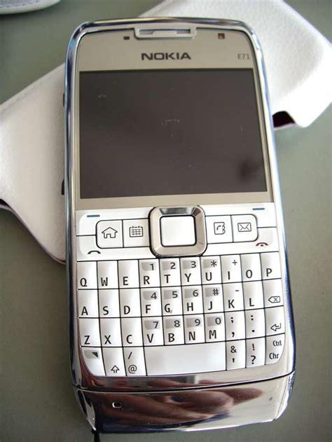white themes for nokia e71 nokia e71 says hello to the blackberry bold iphone