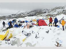 Horrifying video shows avalanche hitting Mount Everest ... 2015 Mount Everest Deaths