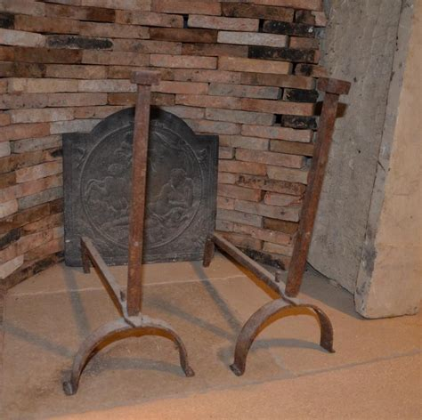chenets cheminee chenet de chemin 233 e ancien en fonte bca mat 233 riaux anciens