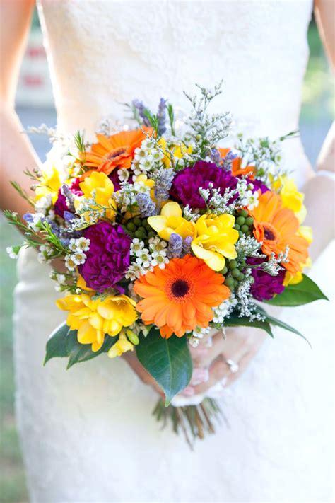 bouquet di fiori per sposa bouquet colorato il bouquet da sposa perfetto per un