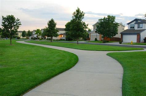Landscape Edging Services Lawn Edging Why Edge Your Lawn Driveway