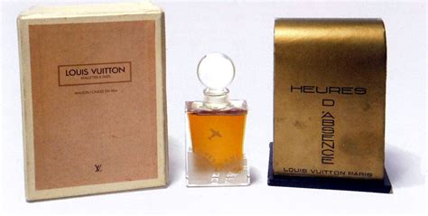 L O U I S Vuitton Rubber Motif 6 heures d absence louis vuitton perfume a fragrance for