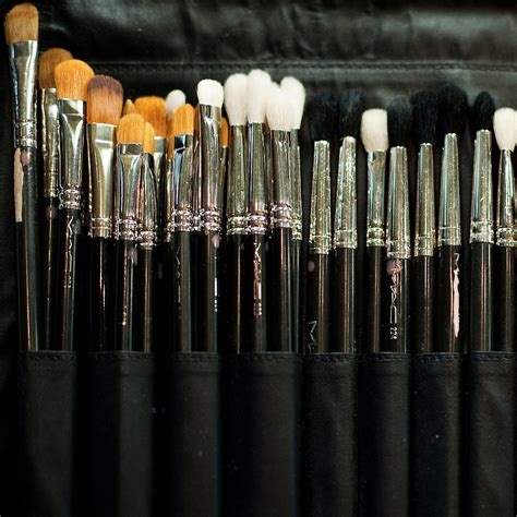 how to clean makeup brushes popsugar