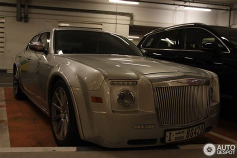 chrysler rolls royce chrysler 300 has identity crisis thinks it s a rolls