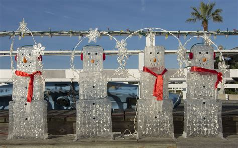 newport local news balboa island holiday decorations