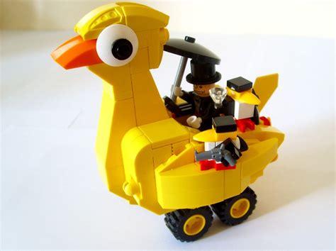 Lego Batman Duck Set penguin s yellow duck vs robin s speedboat lego licensed