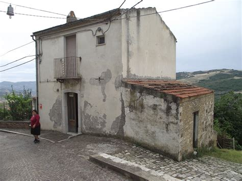 houses in italy to buy town house to buy in italy casa bombay civitacomarano