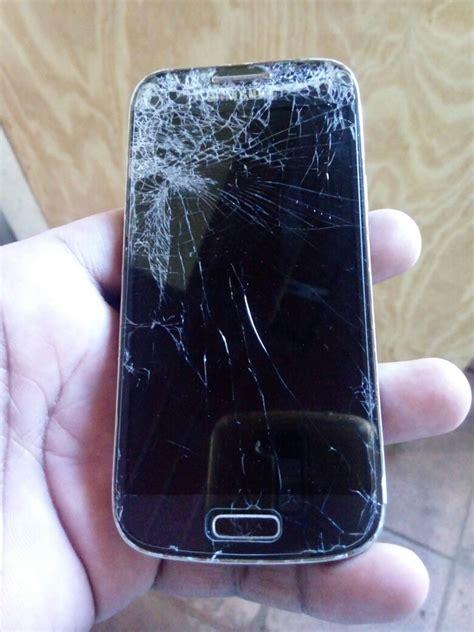 celular sansumg  mini gt  nao liga tela quebrada