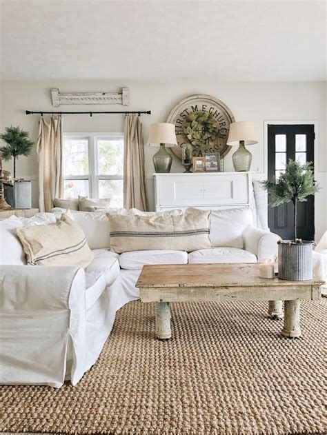 how to style your living room best 25 farmhouse style homes ideas on pinterest