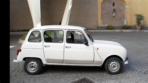 renault 4 pope new pope mobile renault with 190 000 miles on it today com