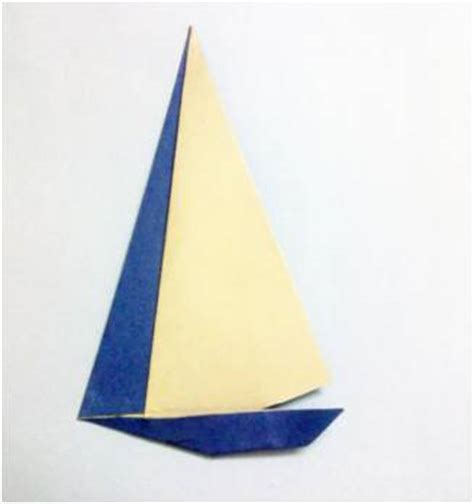 Yacht Origami - how to make a paper yacht platter