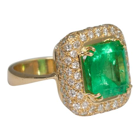 emerald and ring plaza jewellery