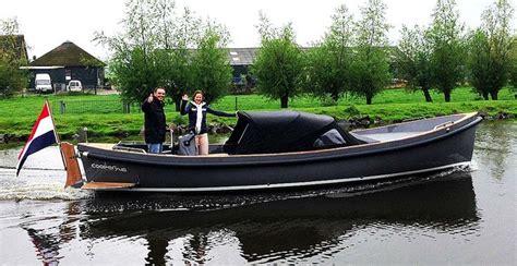 buiskap reddingssloep 126 best sloep images on pinterest boat boats and