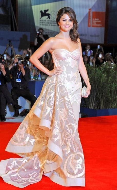Dress Selena Ready 767 best carpet style images on burgundy rugs and carpet 2016