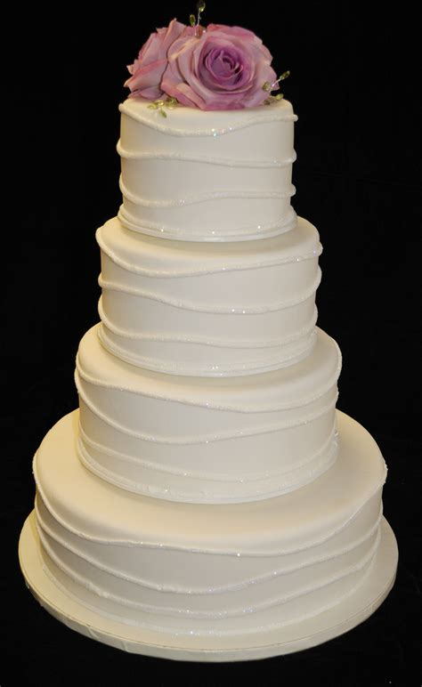 Hochzeitstorte Buttercreme by Wedding Cake Designs
