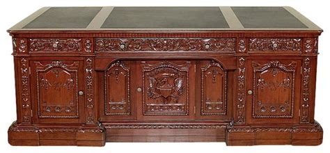 presidential desk in oval office 7ft wide mahogany leather top presidential oval office