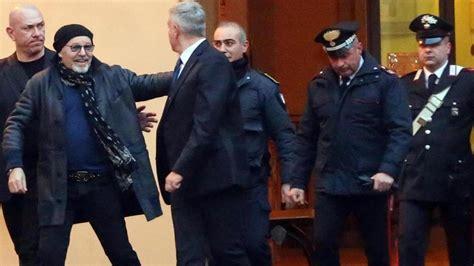 vasco bologna vasco in tribunale a bologna testimone contro l ex