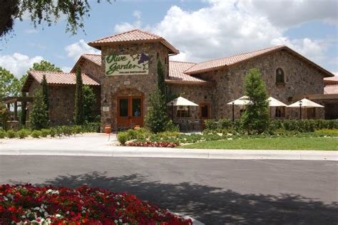olive garden postpones opening its hawaii restaurant