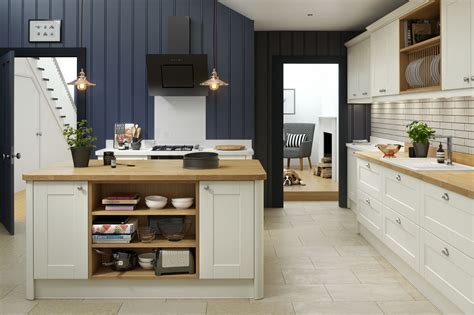 shaker kitchen in wren kitchens