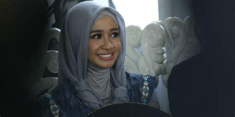 film bioskop terbaru hijab tak berhijab di film terbaru ini kata laudya chintya