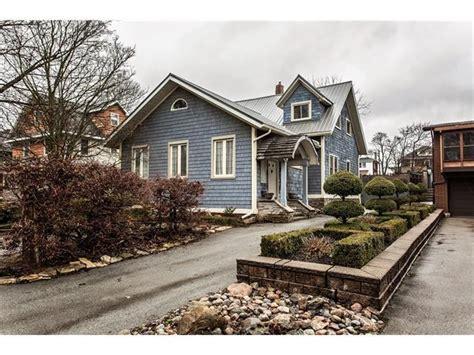 Niagara Falls Canada Cottage Rentals by Blue Cedar Century Home Niagara Niagara Falls Cottage