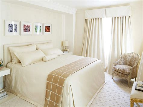 Optimize Your Small Bedroom Design Hgtv How To Decorate A Small Bedroom