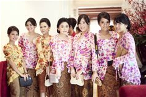 Kebaya Kutu Baru Anak Polos 1 gown on kebaya lace gowns and gowns