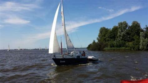 kajuitzeilboot kopen friesland mooie kajuitzeilboot sneekermeer 800 advertentie 619790